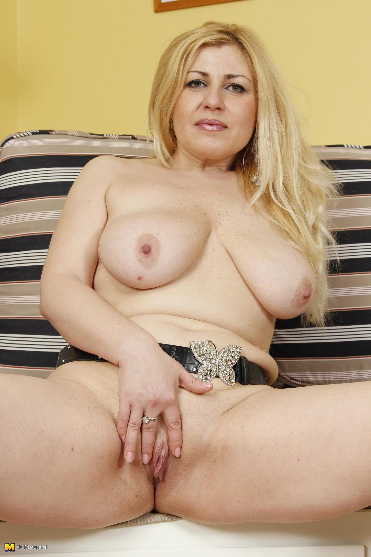 granny Mature tits nl big
